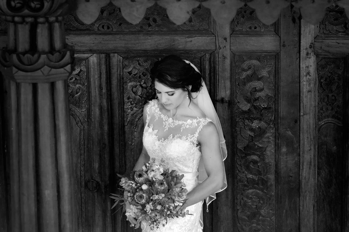 ICONIC BRIDE  685970